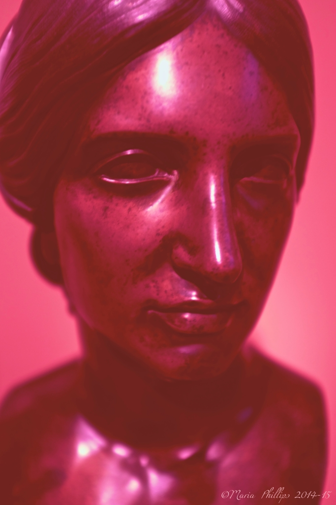 Pink Bust of Woman_CN