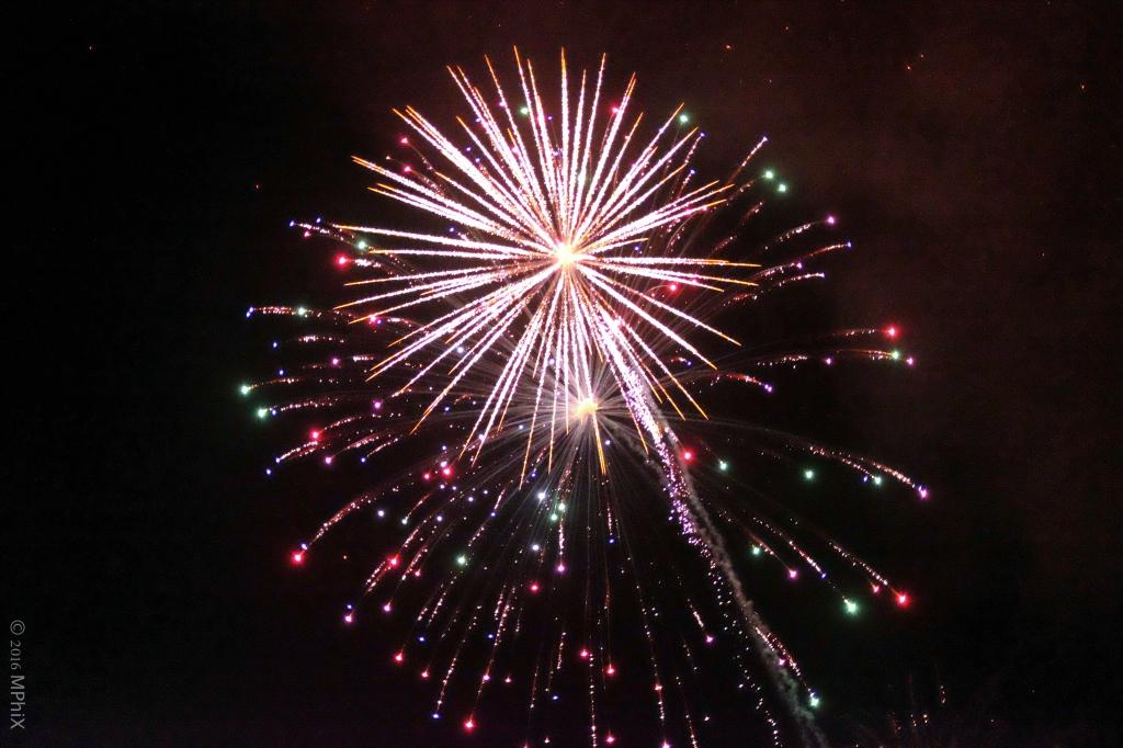 littlehampton-fireworks-1_mphix