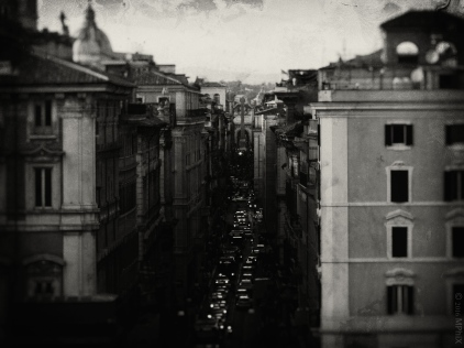 rome-piazza-venezia-bw-art_mphix